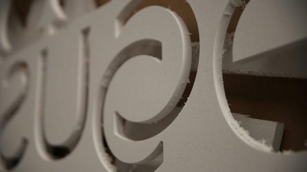 Letras Corpóreas PVC - Taller Detalle Placa corte