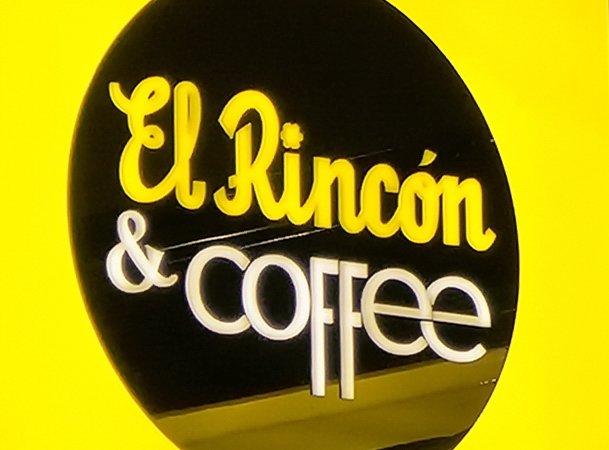 Placa de Banderola Luminosa de Frutos secos El Rincón en Zaragoza