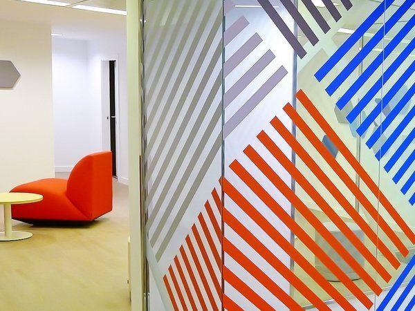 Decoración de cristales en vinilo en Oficinas Centrales de Ibercaja en Zaragoza